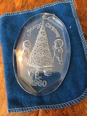 vintage Merry Christmas 1980 commemorative ornament Children & Tree Clear Henco