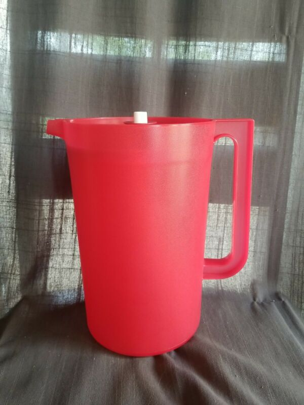 Vintage Tupperware Red 1 Gallon Pitcher #1416-3 Red Push Button Lid Nice