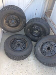 225/60R/16 Winter Tires Balanced on Rims