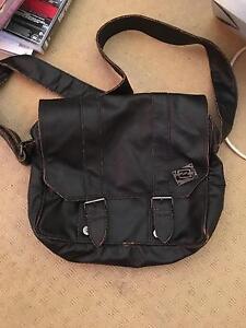 Billabong Leather Shoulder Bag Maryland Newcastle Area Preview