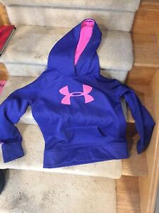 Under Armour YXL girls hoodie purple with pink