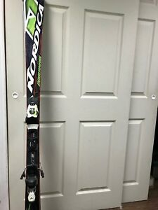 Skis Alpins performance Nordica