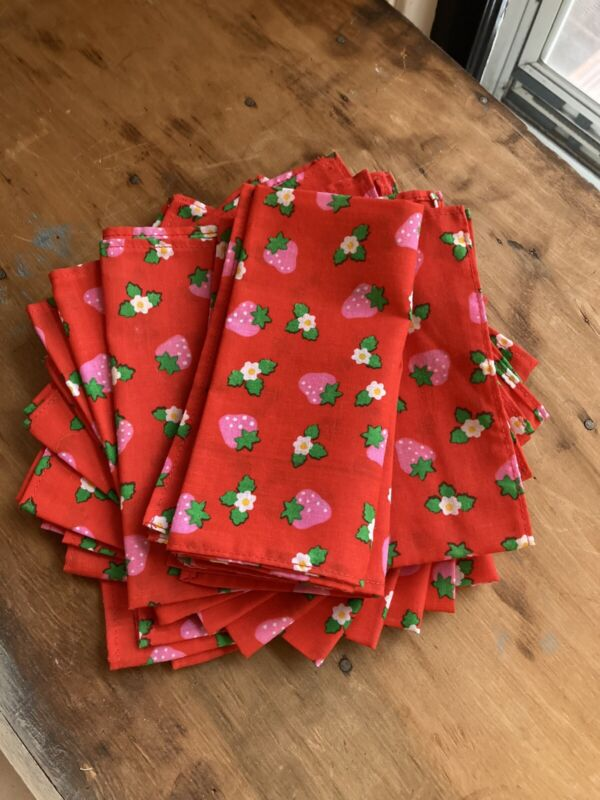 Vintage Red Pink Strawberry Napkins Mid Century Retro Mod Farmhouse Set 12 Kitch