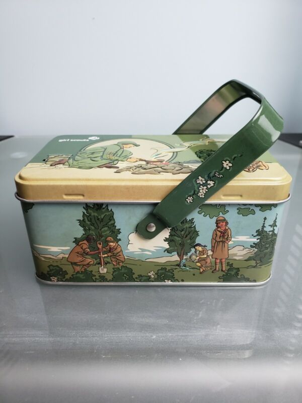 2017 Collectible Tin Girl Scouts USA Replica Lunch Box Vintage Picnic Basket