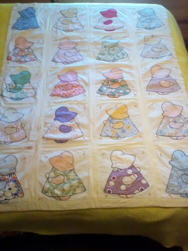 ANTIQUE VINTAGE NEW ENGLAND FARM  APPLIQUE SUNBONNET SUE CRIB PATCHWORK COVERLET