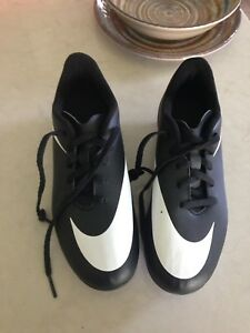 Soccer shoes, Nike youth size 3