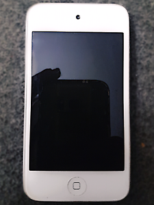 Selling ipod touch 4th generation 8GB Murrumba Downs Pine Rivers Area Preview
