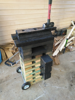 Blacksmith Anvil + Stand
