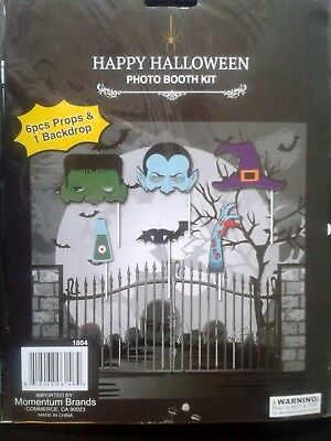 Halloween PHOTO BOOTH SCARE KIT 6 pcs Props & Backdrop Monster Mash SELF FUN](Scare Props)