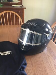 SNOWMOBILE HELMET FOR SALE, OPEN TO OFFERS, MUST GO !!!!!