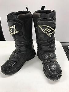 dirt bike boots junior size USA 2 Sumner Brisbane South West Preview