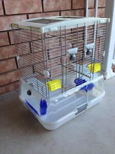 """Vision Cage 20"""" x 15.5""""x 11.5"""" *comes with free bird food*"""