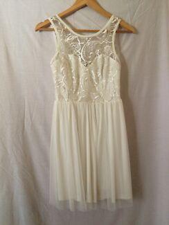 White semi-formal dress size 8  Sandgate Brisbane North East Preview