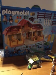 Horse stables playmobil
