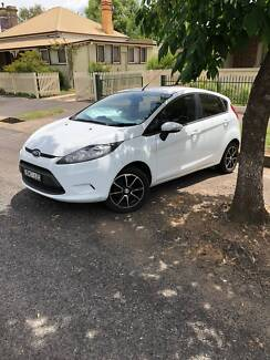 FORD FIESTA  - 4 door hatch, auto, air, mags + orig tyres, low km
