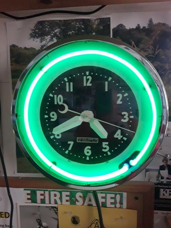 1933 Vintage Glo Dial Clock Co.  Los Angeles - 15 inch diameter