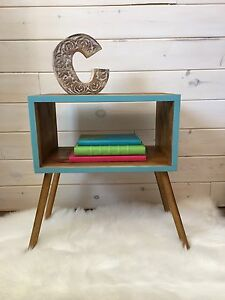Petite table d'appoint style scandinave