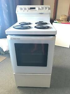Oven pick up only Charlestown Lake Macquarie Area Preview