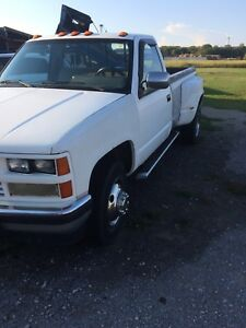 Chevy dually 3500