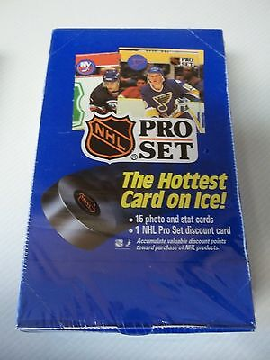 NHL Pro Set Full Box Of Trading Cards 15 Cards Per Pack 1990 SEALED ()