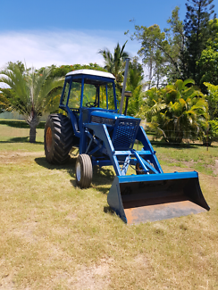 Ford 6700 tractor with front end loader