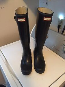 Hunter rubber boots black size 8