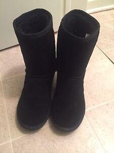 Ugg boots and  brand new winter and driving gloves