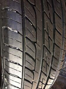 2 pneus été toyo 215 70 15 impeccable