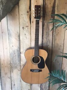 70's accoustic Great Sound-BRAND- Guitar