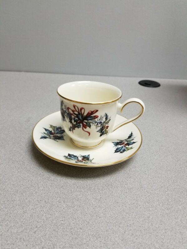 Lenox  Christmas Cup & Saucer  Holly & Red Ribbon Gold Trim+