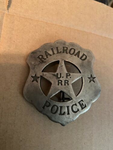 VINTAGE UNION PACIFIC RAILROAD POLICE BADGE