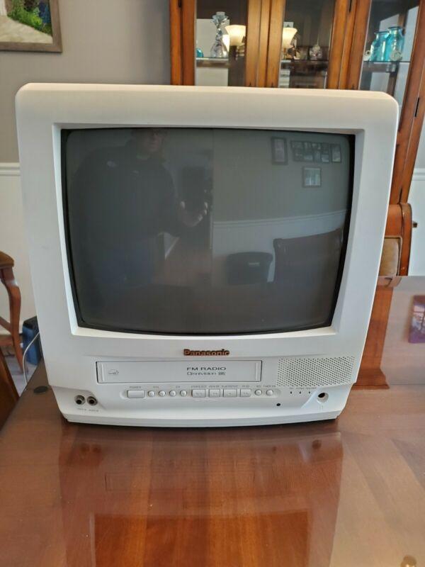 """Panasonic 13"""" TV VCR FM Radio Combo (Gaming Retro)"""