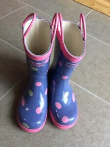 Nearly new Hatley rain boots