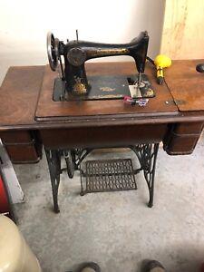 Machine a coudre antique singer
