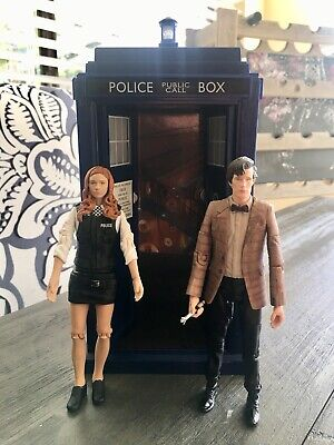 Doctor Who Non Electric TARDIS Eleventh 11th Dr Matt Smith figure Striped Pond