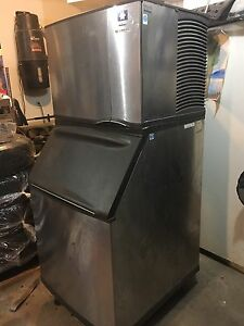 Manitowoc ice machine  in excellent condition $2600  Edmonton Edmonton Area image 2