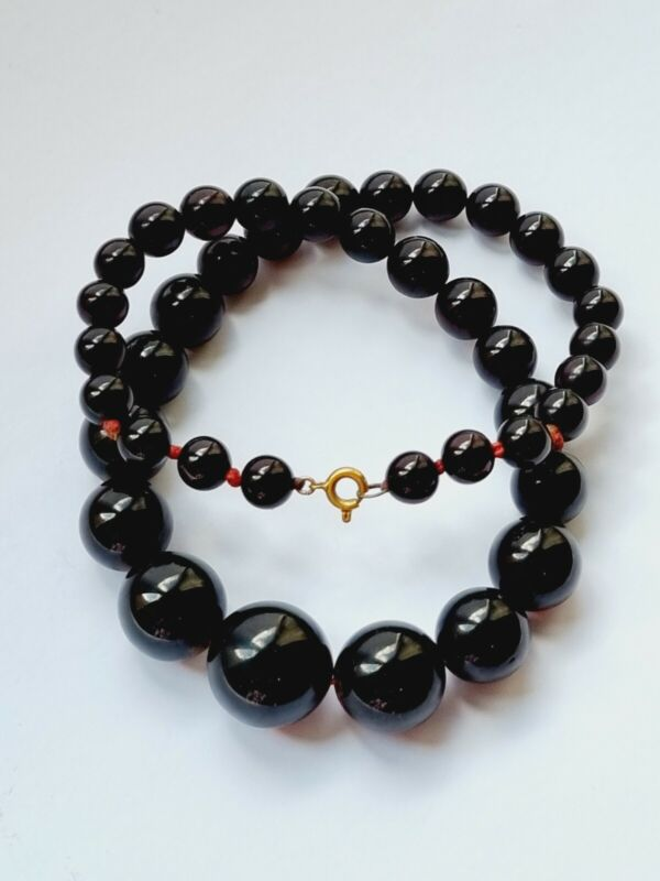 Vintage Art Deco Graduated Dark Cherry Colour Necklace Bakelite Graduating Beads