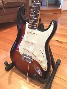 Fender MIM Stratocaster, 3 Tone S/burst,  r/wood neck***MINT*** Joondalup Joondalup Area Preview
