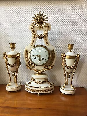 Lyra Pendule mit Beistellern , Feuervergoldet,Feinste Bronzen ,Louis  XVI