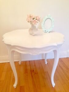 Shabby chic rose table