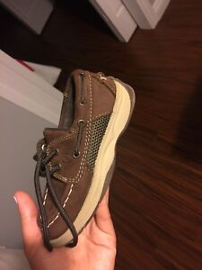 Sperry Boys Shoes size 9 worn once