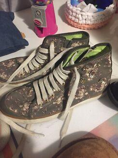 Geox girls shoe
