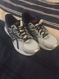 Men's Asics Running Shoes Size 9.5
