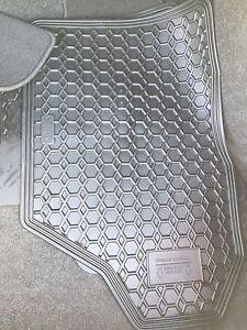 2016 Toyota yaris original floor matts brand new