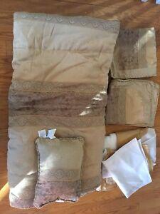 Comforter set - 5 piece queen bed in a bag