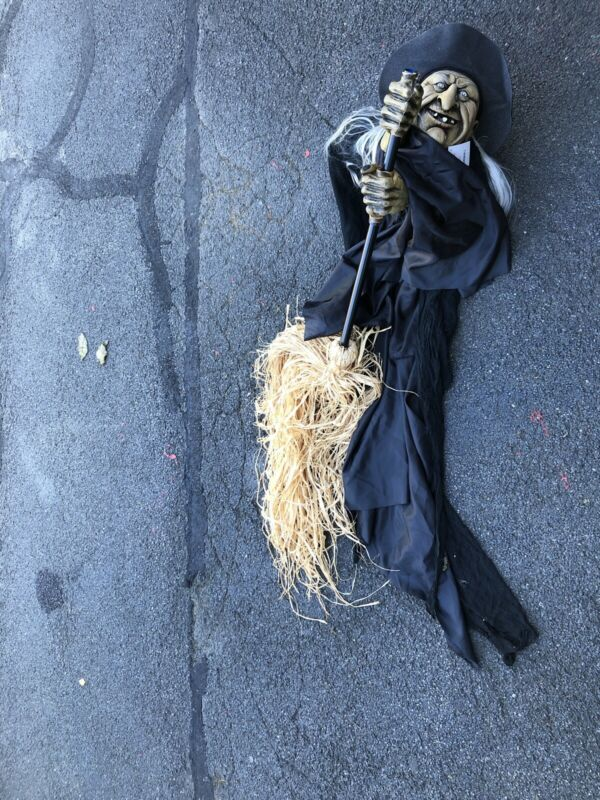 SUNSET BAY SEASONAL Witch On A Broomstick BY ANDREA BASKETS LIFE SIZE NWT