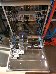 Dish washer Florey Belconnen Area Preview