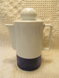 Schirnding Bavaria Porcelain Coffee Pot BEAUTIFUL White Cobalt Blue