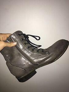 Silver Boots Size 6-7 Women's Gordonvale Cairns City Preview