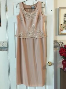 Selling a salmon brow colour dress